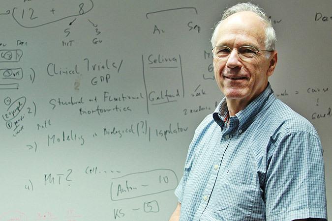 Ведущий мировой исследователь онкологии Антон Бернс: Главные причины рака не стресс и консерванты, а переедание и курение