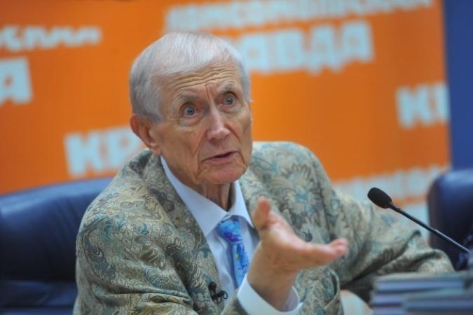 Евгений Евтушенко на гастролях попал в больницу