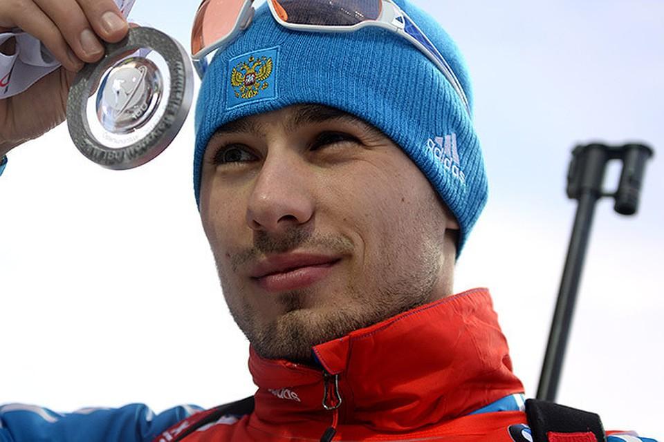 Российский биатлонист Антон Шипулин в пятницу стал победителем мужской спринтерской гонки на 10 км