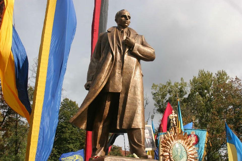 Киев собирается отметить день рождения Степана Бандеры