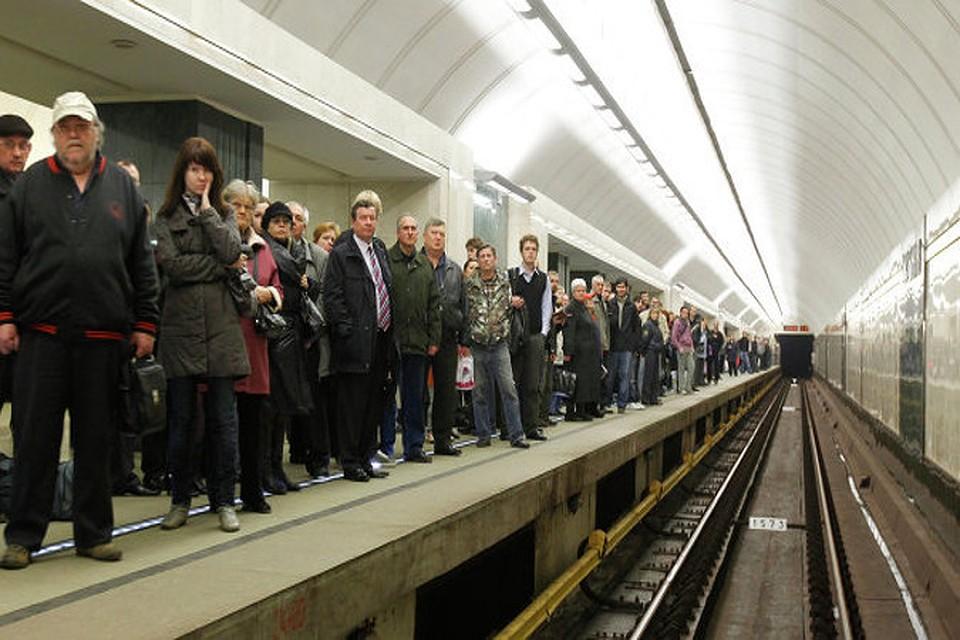 Между станциями «Алтуфьево» и «Отрадное» встали поезда