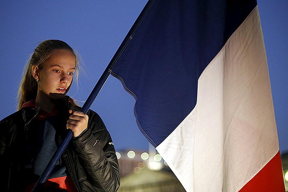 Акции солидарности с болью французов прошли во всех уголках мира.