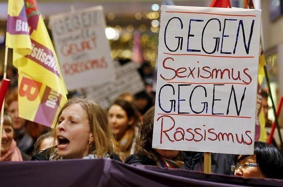 Жертвы насилия в Кельне вышли на митинг протеста