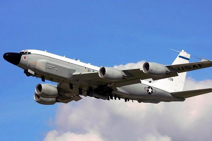 Это был один из самолетов-разведчиков Северо-Атлантического альянса