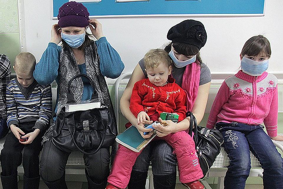 Сейчас, когда грипп вовсю шагает по стране, вкалывать вакцину уже поздно. Так что все внимание - на профилактику гриппа