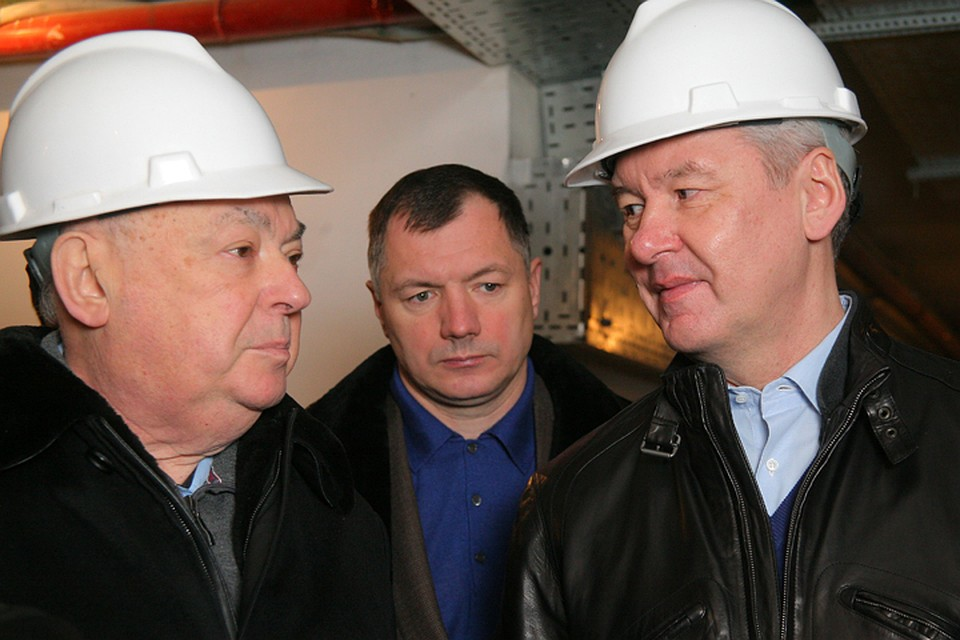 Владимир Ресин (слева) считает, что должность советника мэра Москвы Сергея Собянина для него - не просто «формальная приставка», а возможность поработать на столицу. Фото: mos.ru
