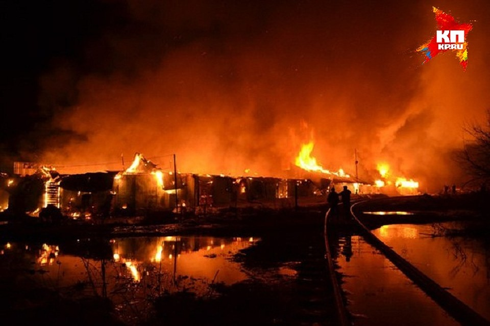 Открытый огонь устранили нагорящем складе вБалезино