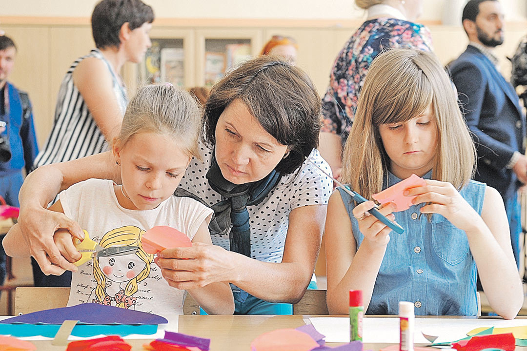 В летнем лагере дети найдут занятия по интересам.