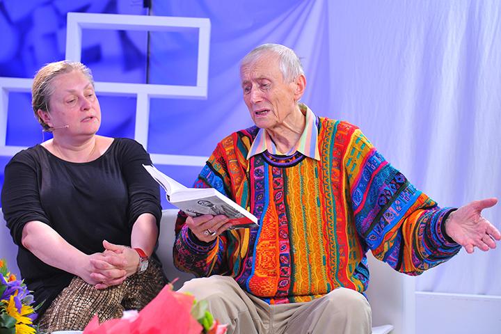 Накануне 75-й годовщины с начала Великой Отечественной Евгений Евтушенко приехал к нам в редакцию вместе со своей Музой и супругой - Марией