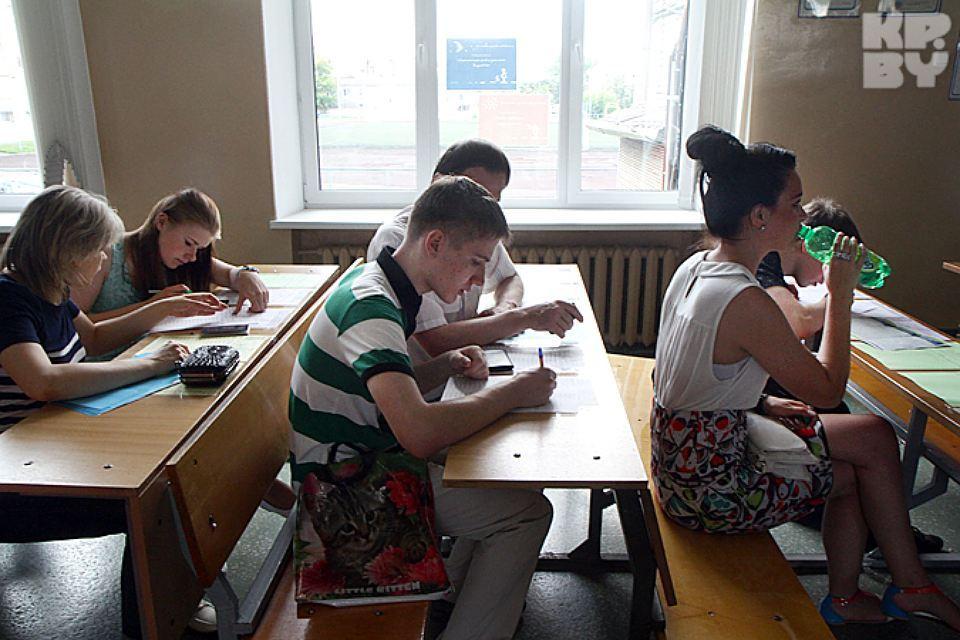 На тестирование по истории Беларуси зарегистрировалось 18,9 тысяч абитуриентов