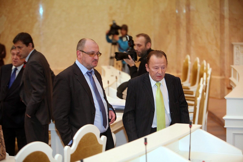 Вячеслав Нотяг теперь в ЗакСе не появляется. Под домашним арестом