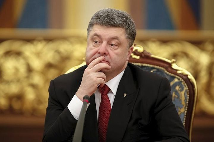 По мнению Порошенко, украинская авиация обязана вновь стать сильной , чтобы дать отпор неким «агрессивным амбициям»