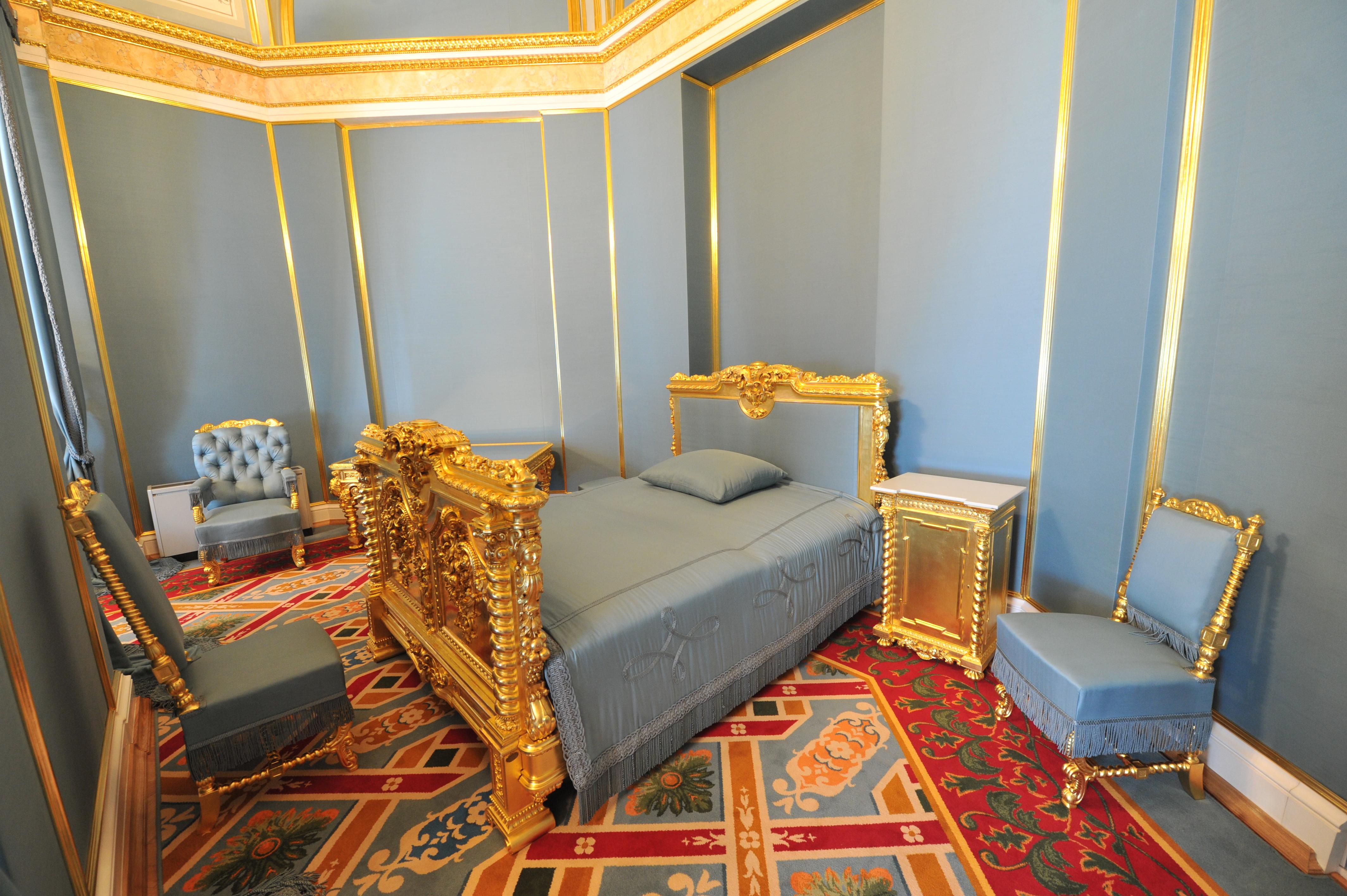 Московский Кремль. Большой Кремлевский Дворец. Собственная половина Его Императорского Величества. Опочивальня.