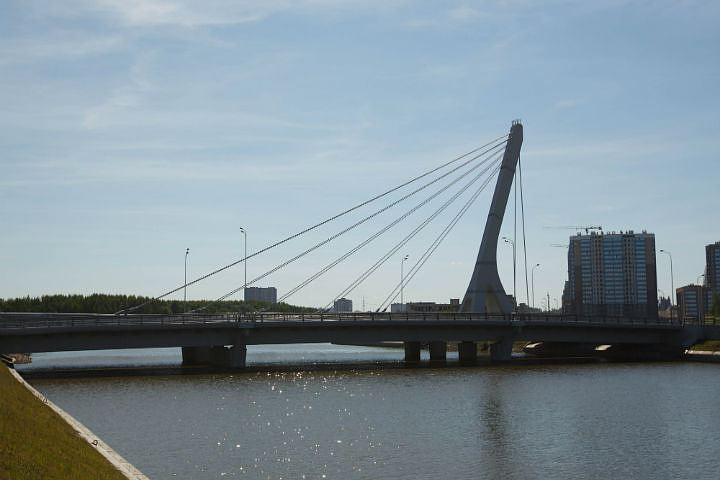 Название моста по-прежнему волнует горожан