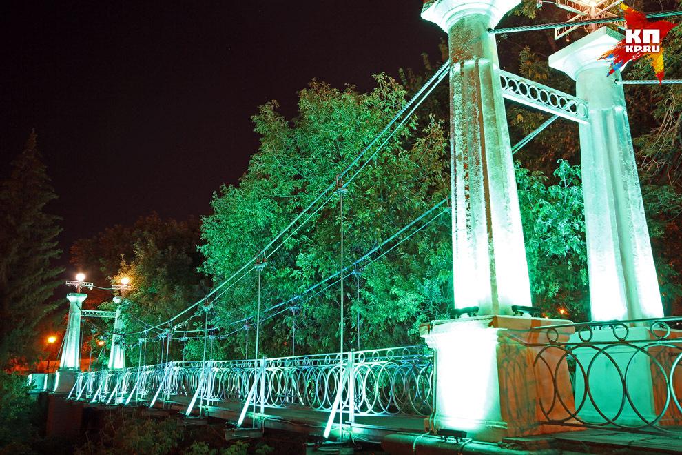 ВСаду имени Салавата Юлаева запущена уникальная декоративная подсветка