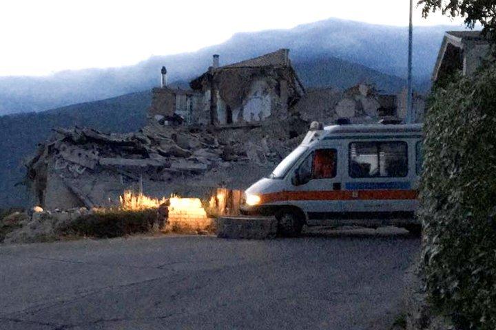 Разрушены три города, минимум 21 погибших— Землетрясение вИталии