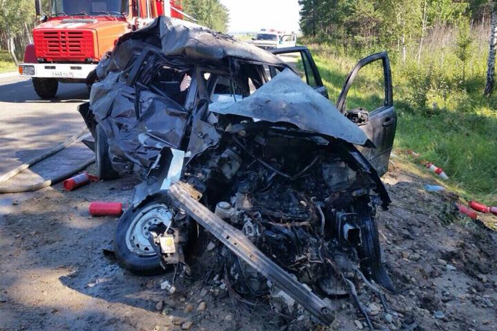 Смертельное ДТП наобъездной дороге Ангарска: столкнулись «Mazda Demio» «Toyota Land Cruiser»