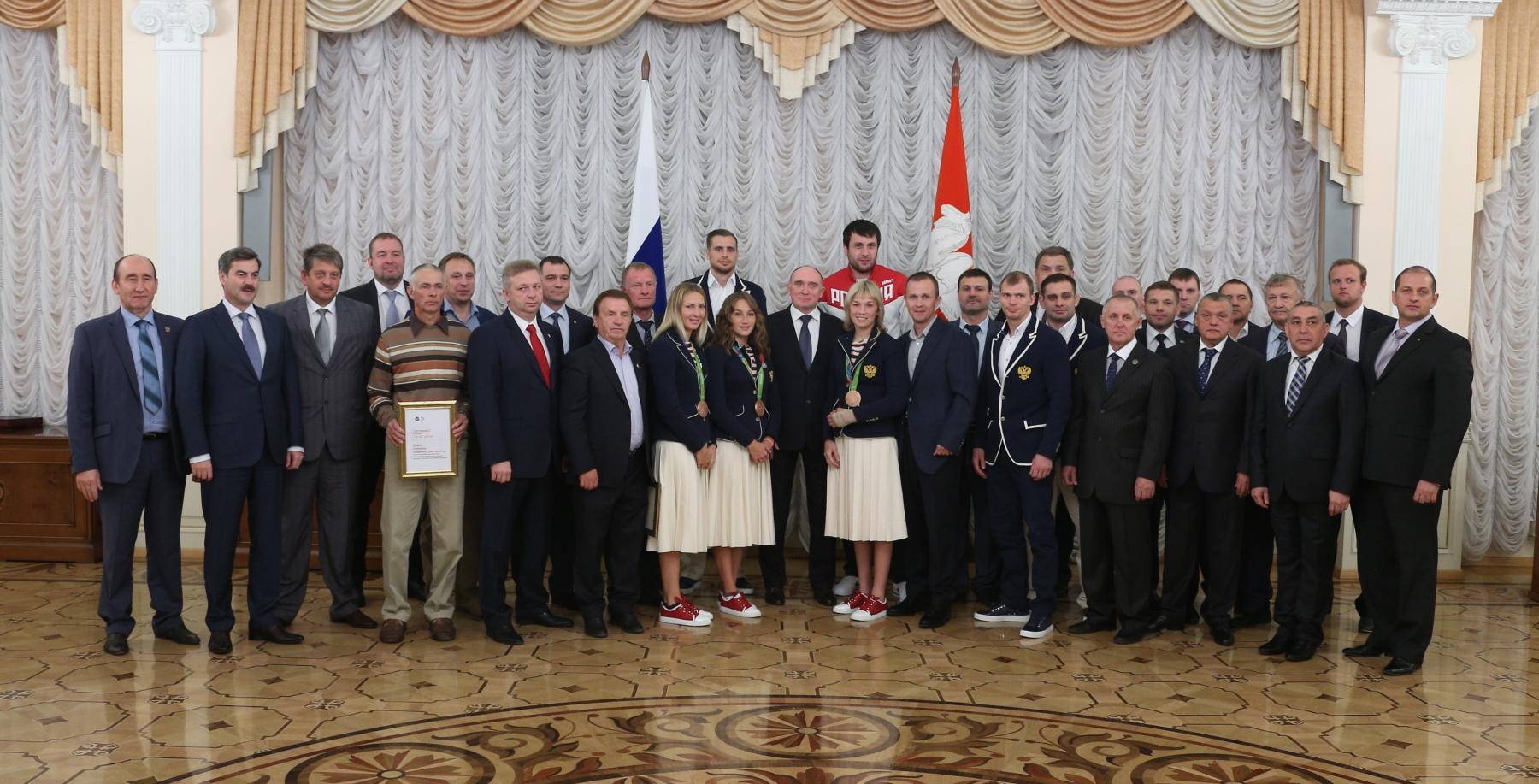Южноуральские триумфаторы Олимпиады получили по500 тыс. руб. отруководства области