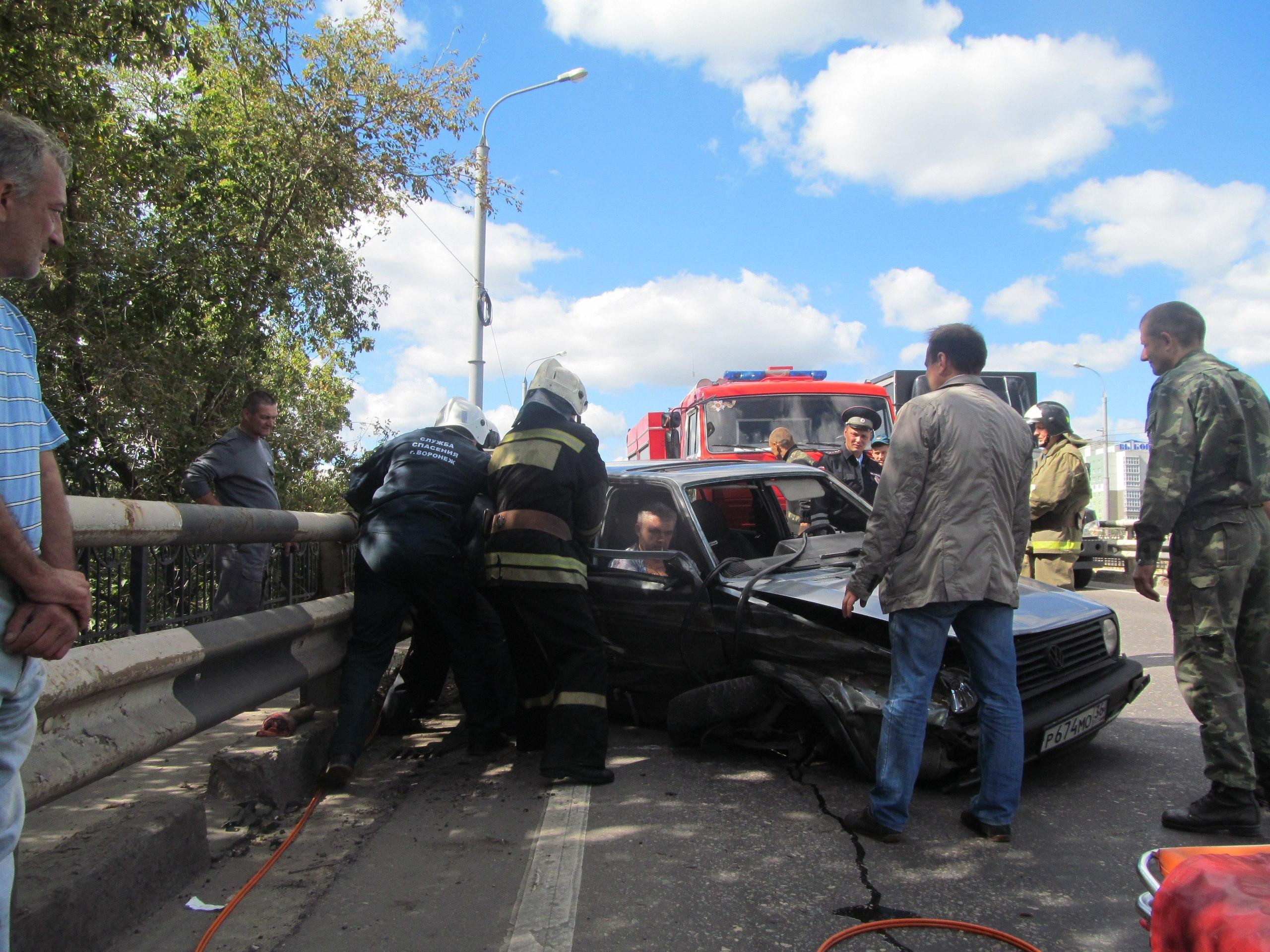ВВоронеже врезультате дорожно-траспортного происшествия пассажиру легковушки оторвало руку