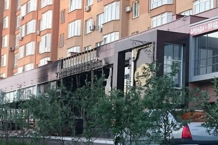 Летняя веранда ресторана «Вишневый сад» сгорела ночью вКемерове