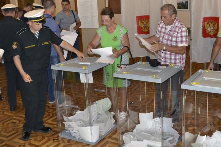 Комоедов отстает от«единоросса» навыборах водномандатном округе вСевастополе
