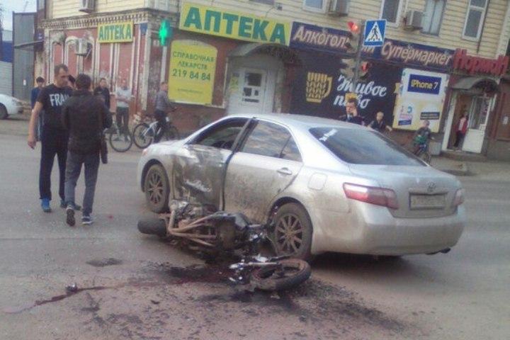 Мотоциклист разбился насмерть вцентре Перми