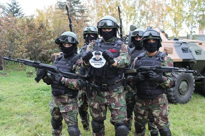 Сургутские полицейские присоединились какции «Работайте, братья!»