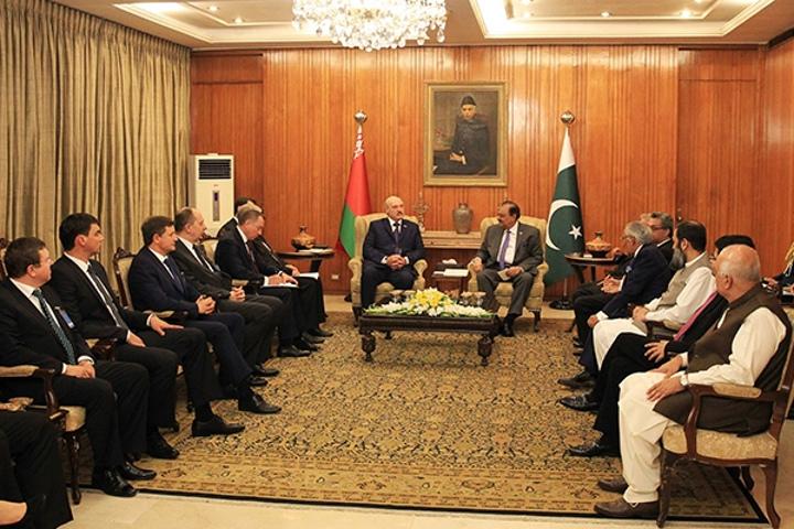 Лукашенко провел в Пакистане переговоры с президентом Хусейном. Фото: president.gov.by