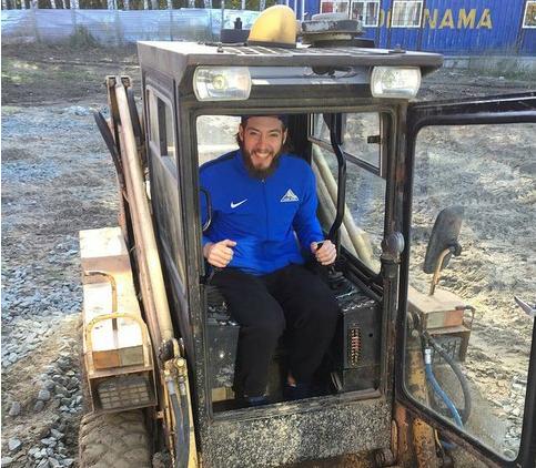 Хоккеисты «Салавата Юлаева» одолели челябинский «Трактор»