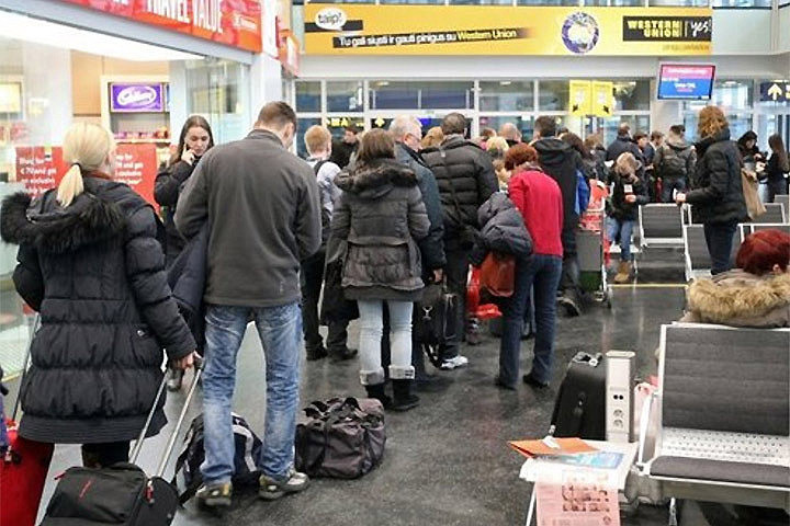 В Литве главной темой для обсуждения у общественности и политиков остается эмиграция. Фото с сайта gorod.lv