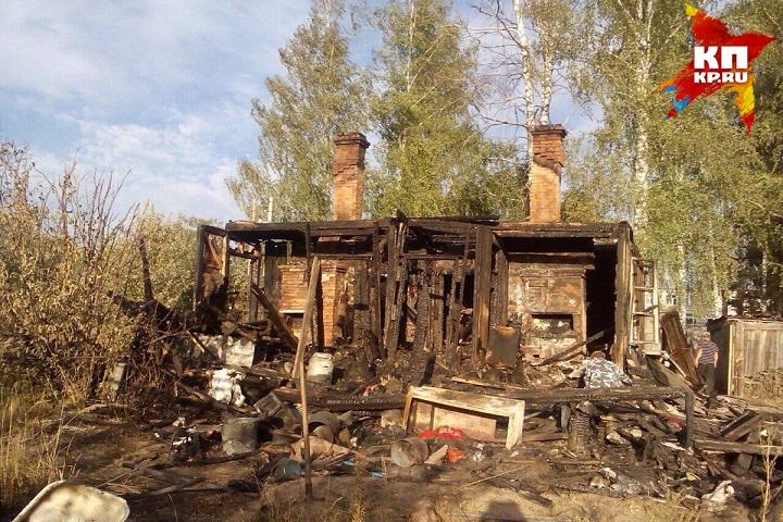 Все, что осталось от страшного пожара, в котором погибла 5-летняя Олеся. Автор: из личного архива