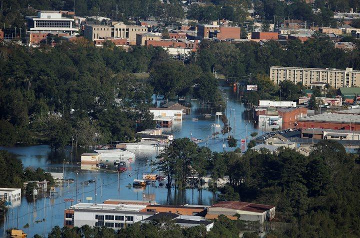 """Город Ламбертон штата Северная Каролина после урагана """"Мэтью"""""""