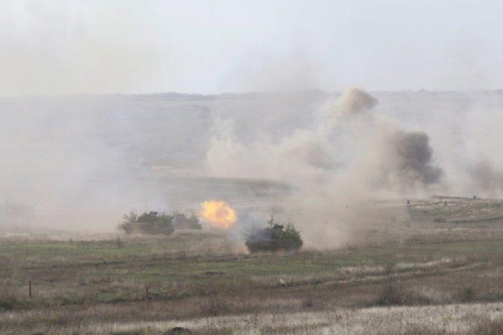 В Донбассе опять идут бои