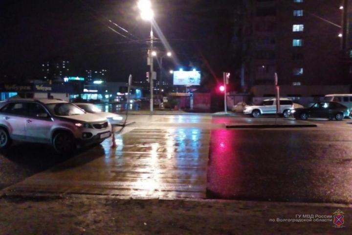 Автоледи на Лексус сбила пешехода искрылась сместа ДТП