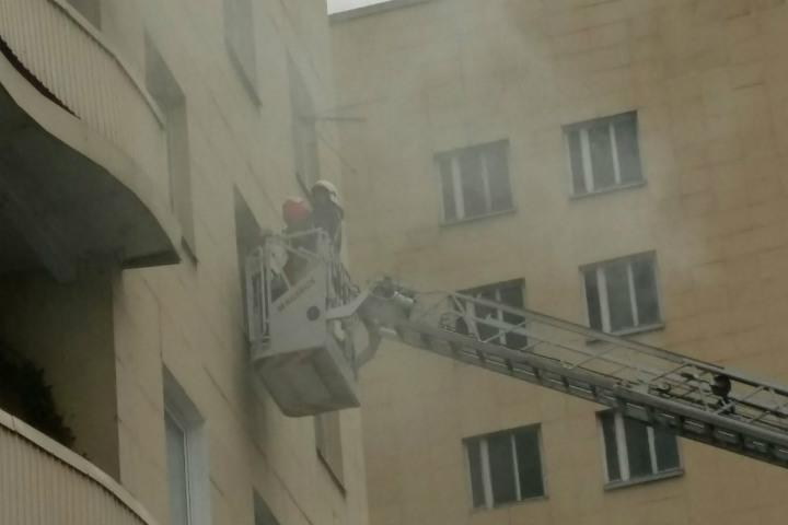Петербургские пожарные вывели изогня 7 человек