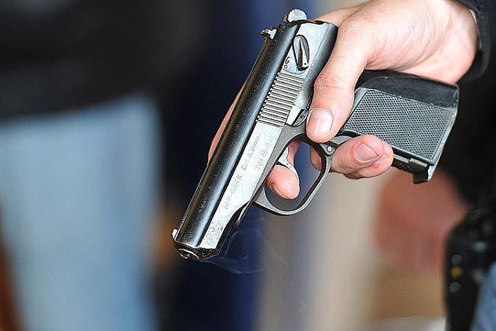 Преступники начали стрелять, не выходя из машины