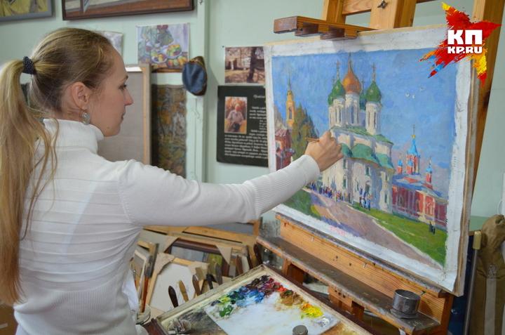 Яна Патокина готова продать свои картины, а деньги отдать на ремонт кровли.