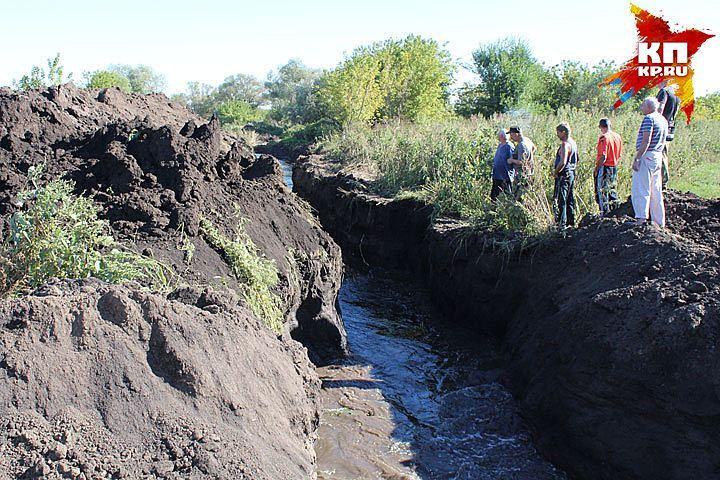 Следователи просят воронежцев посодействовать отыскать тех, кто пытался осушить озеро Круглое