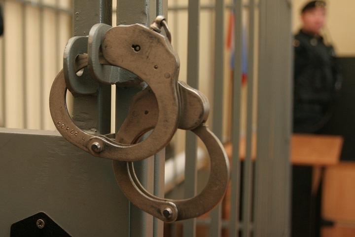 ВАльметьевске осужден условно экс-полицейский, 21 раз применивший электрошокер кзадержанному