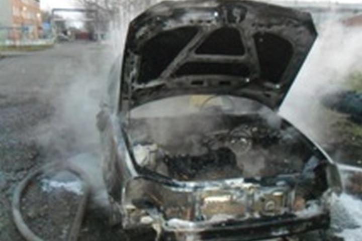 ВКузбассе завыходные сгорели два автомобиля