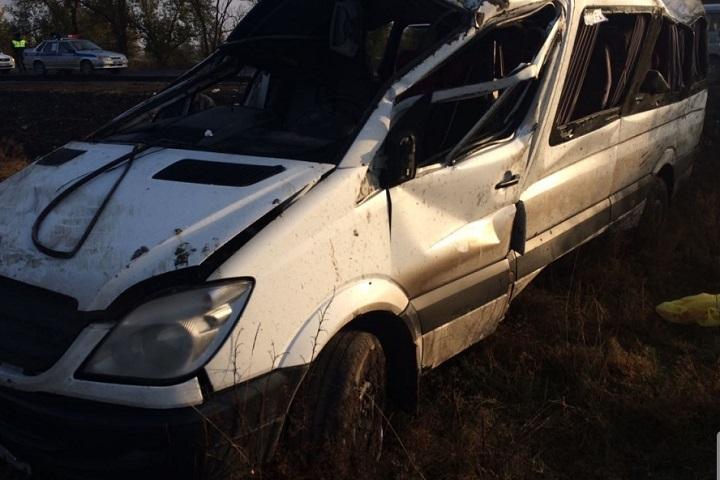 ВДагестане вДТП сперевернувшимся микроавтобусом пострадали девять человек