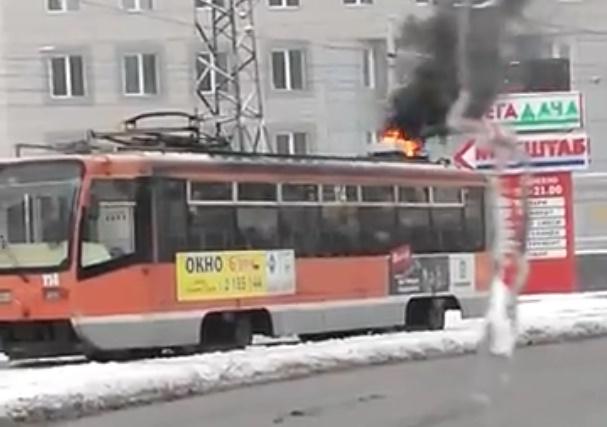 ВПерми находу зажегся трамвай