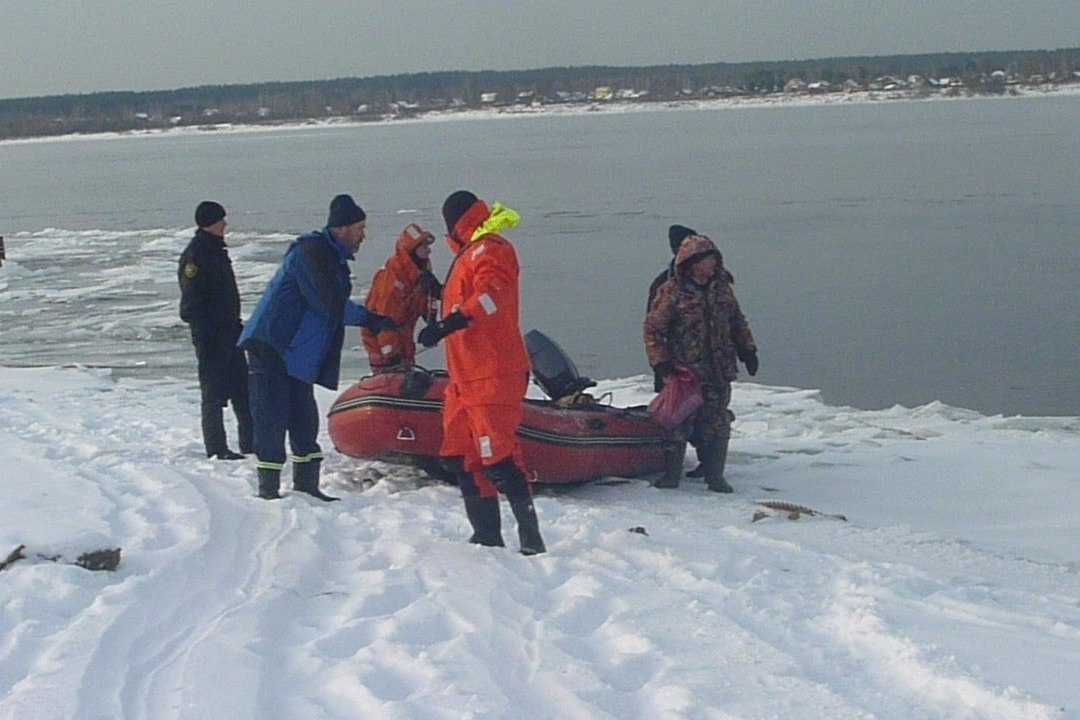 Спасательная операция на Каме. Фото: пресс-службы городской службы спасения.