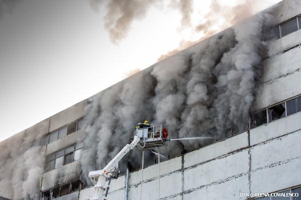 В крупнейшем пожаре погибли два человека (Фото: ipn.md).