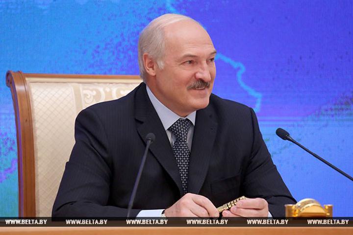 Лукашенко: «Как мы, так и россияне, деньги считать не умеем. А как выпьем – это все…». Фото: БелТА.