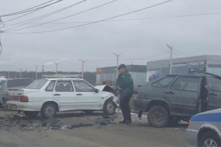ВВоронеже наОстужева столкнулись 5 авто