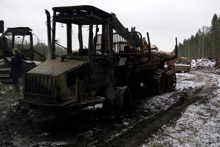 Лесозаготовительную технику намиллионы руб. сожгли вСокольском районе