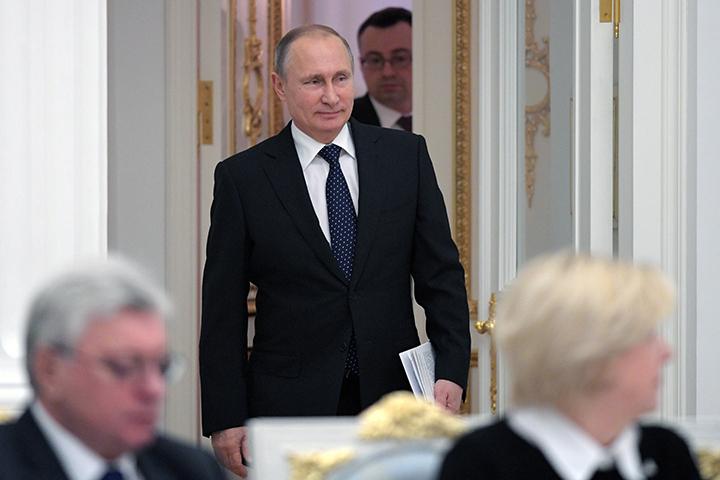 Глава государства вновь подчеркнул необходимость поддержки молодых ученых. Фото: Алексей Дружинин/ТАСС