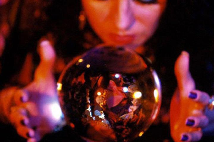 Жительница Лиды перечислила экстрасенсу-мошеннику 6.000$. Фото: irecommend.ru.