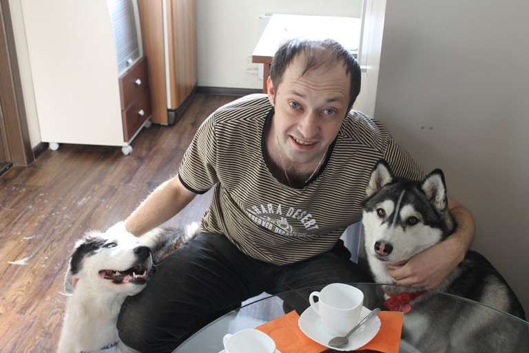В России День домашних животных отмечается с 2000 года по инициативе Международного фонда защиты животных.
